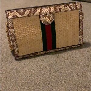 Gucci ophidia straw shoulder bag !